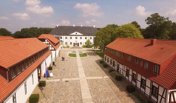Luftaufnahme von Schloss Benkhausen